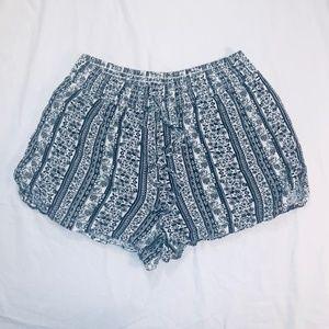 Joe b flowy comfy patterned shorts Size Medium